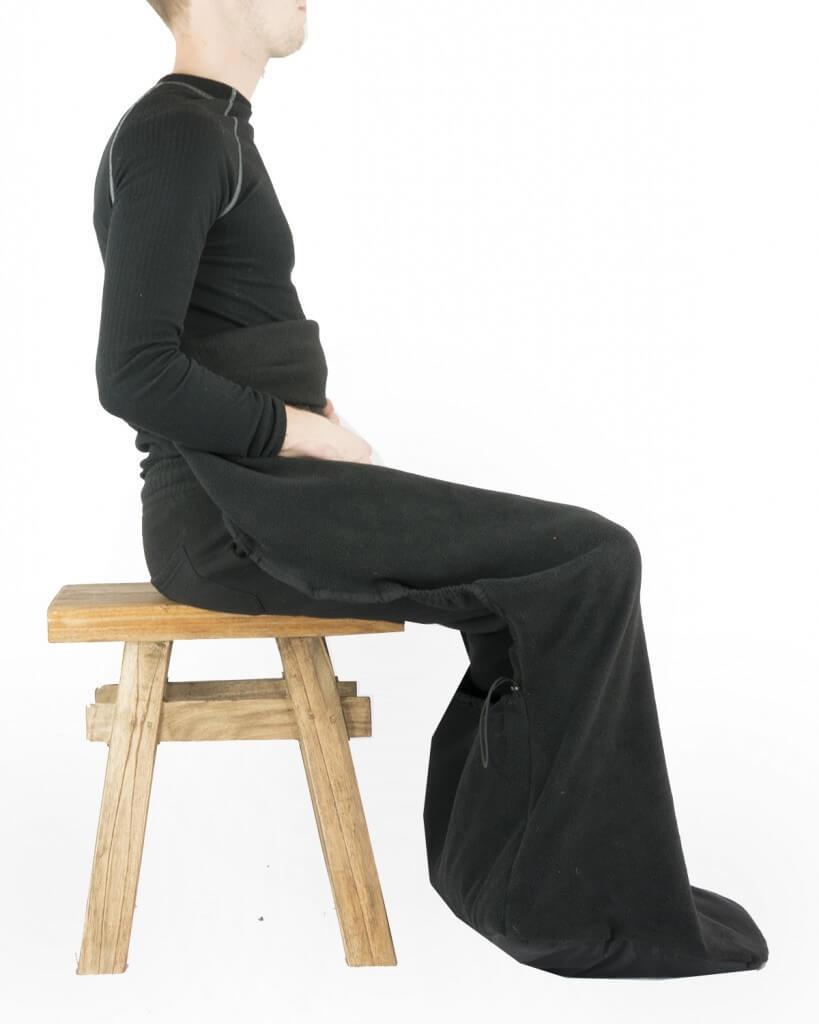 Fleece deken met voetenzak zwart - Belieff